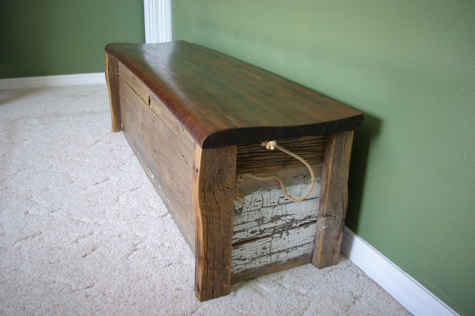 Reclaimed Rustics Barn Wood Bench Chest