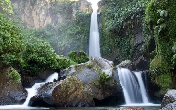 Wisata Keindahan Air Terjun Coban Rondo Batu Malang