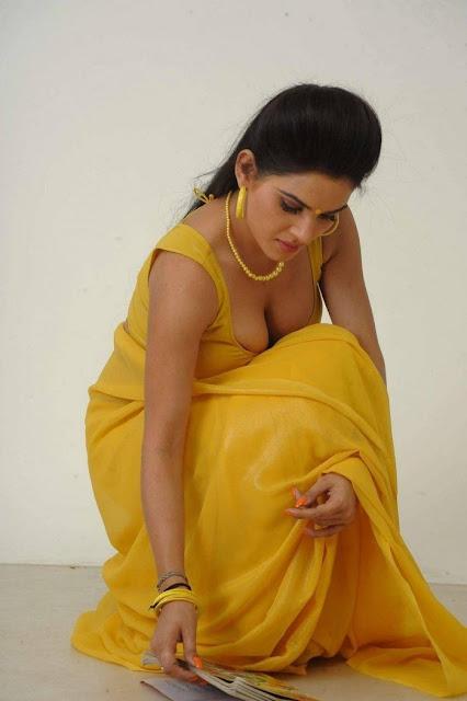 View Bhojpuri Actress Kavya Singh Hot Bikini Bra nude Photos