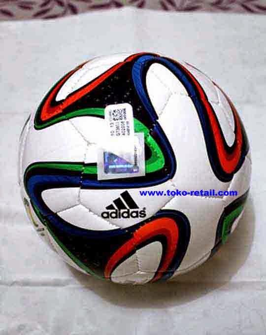 1729b230ea Bola Futsal ADIDAS Brazuca ORI