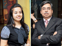 Vasudha-Munjal-with-dad-Pawan-Munjal