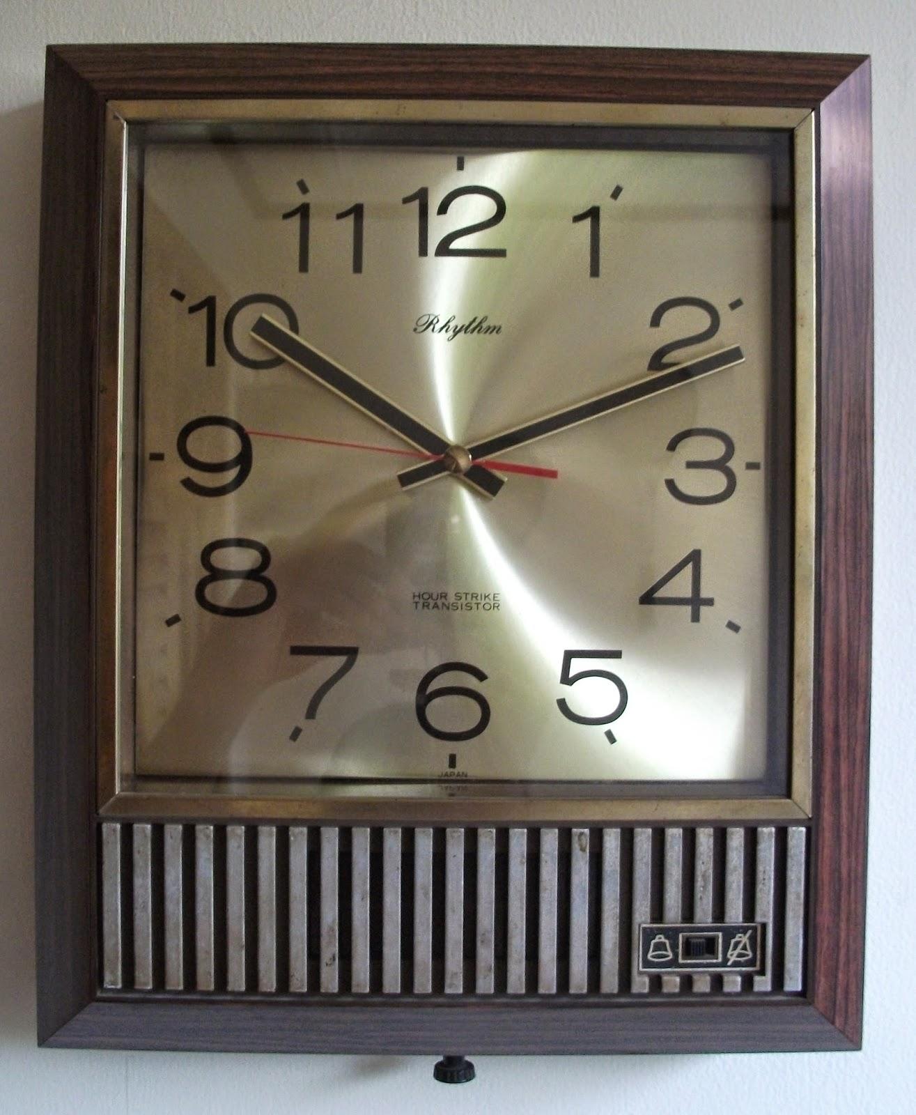 KoleksiKu Barang Jadul  Jam dinding RHYTHM Hour strike Transistor e862810df8