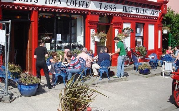 Cara meningkatkan pendapatan di bisnis coffee shop