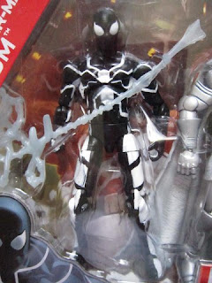 Future Foundation, Fantastic Four, Mr Fantastic, Invisible Woman, Thing, H.E.R.B.I.E., Spider-man, White costume, Black costume, Dr Doom, TRU