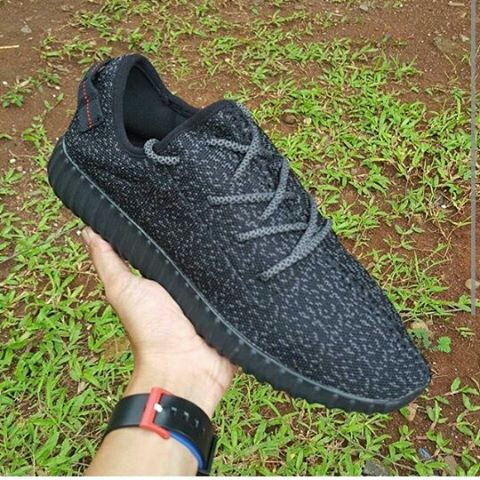 15d46eaa913 ... promo code for sepatu kets adidas yeezy boost 350 pirates black premium  quality size 39 sd