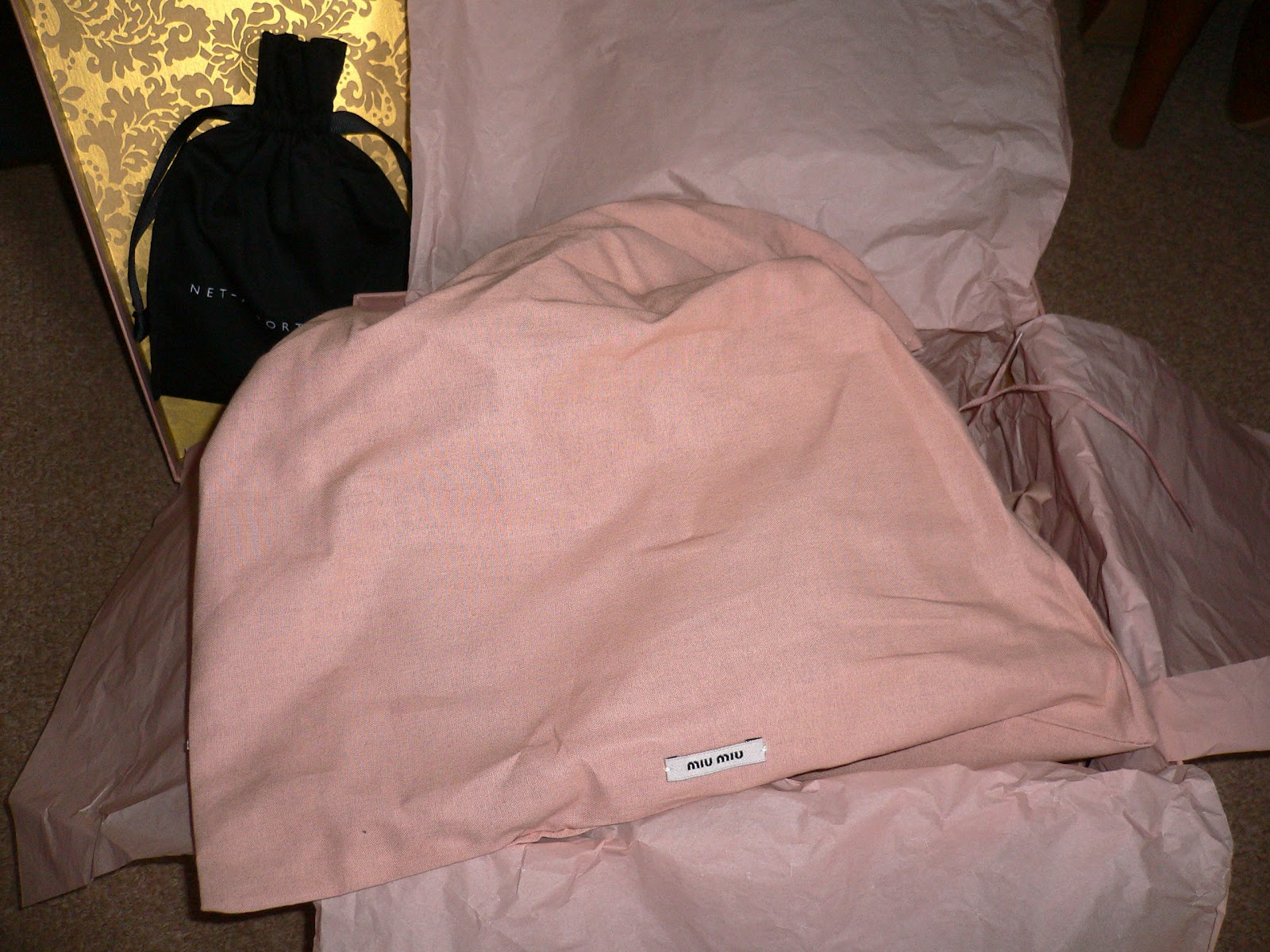 e993e836cb9b  Oh! What could be contained and enveloped within these dusky pink dust bags