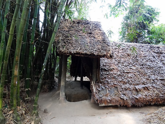 A day to Cu Chi tunnel 4