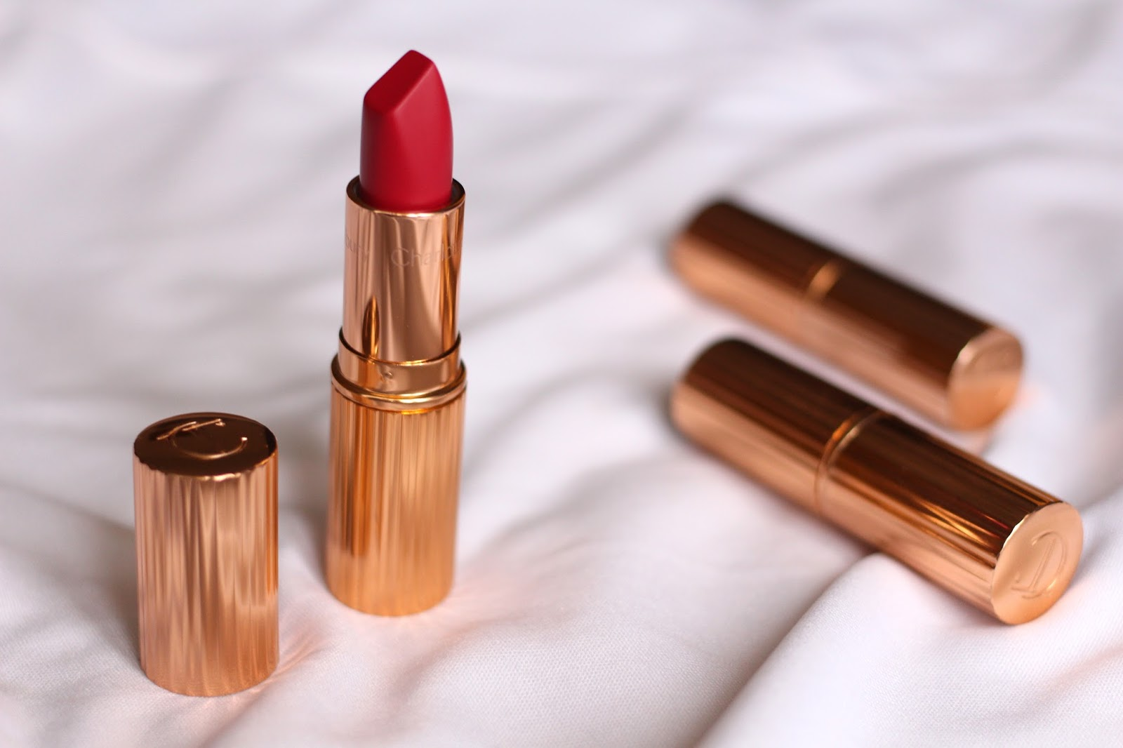 CHARLOTTE TILBURY LIPSTICK 'THE QUEEN'