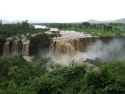 https://commons.wikimedia.org/wiki/File:Blue_Nile_Falls_02.jpg