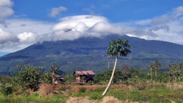 sejarah letusan dan misteri gunung dempo