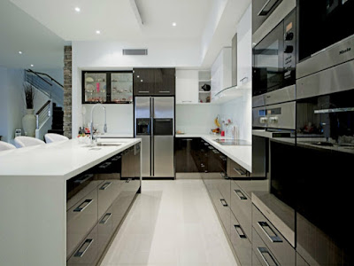 modern u kitchen idea in black and white accent