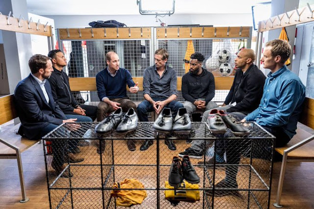 Książę William wspólnie z piłkarzami nagrał film A Royal Team Talk