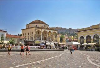 Ποια ΚΑΤΑΡΑ κρύβεται πίσω από το τζαμί στο Μοναστηράκι;