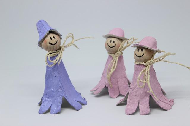 Drei Blumenmädchen aus Eierkartons