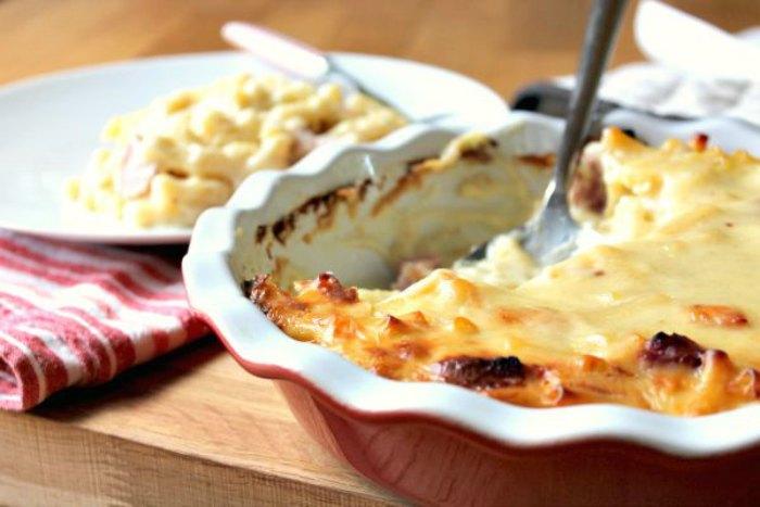 Gooey Macaroni Cheese with Gammon