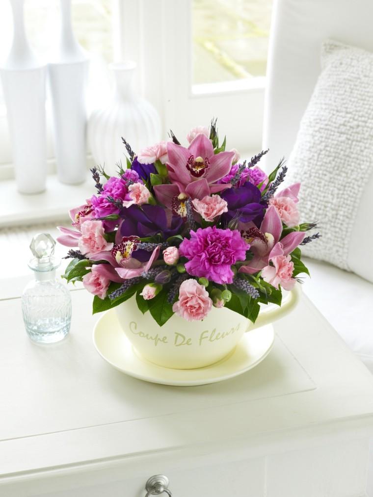 Lo nuevo modelos modernos de arreglos con flores for Arreglos de rosas sencillos