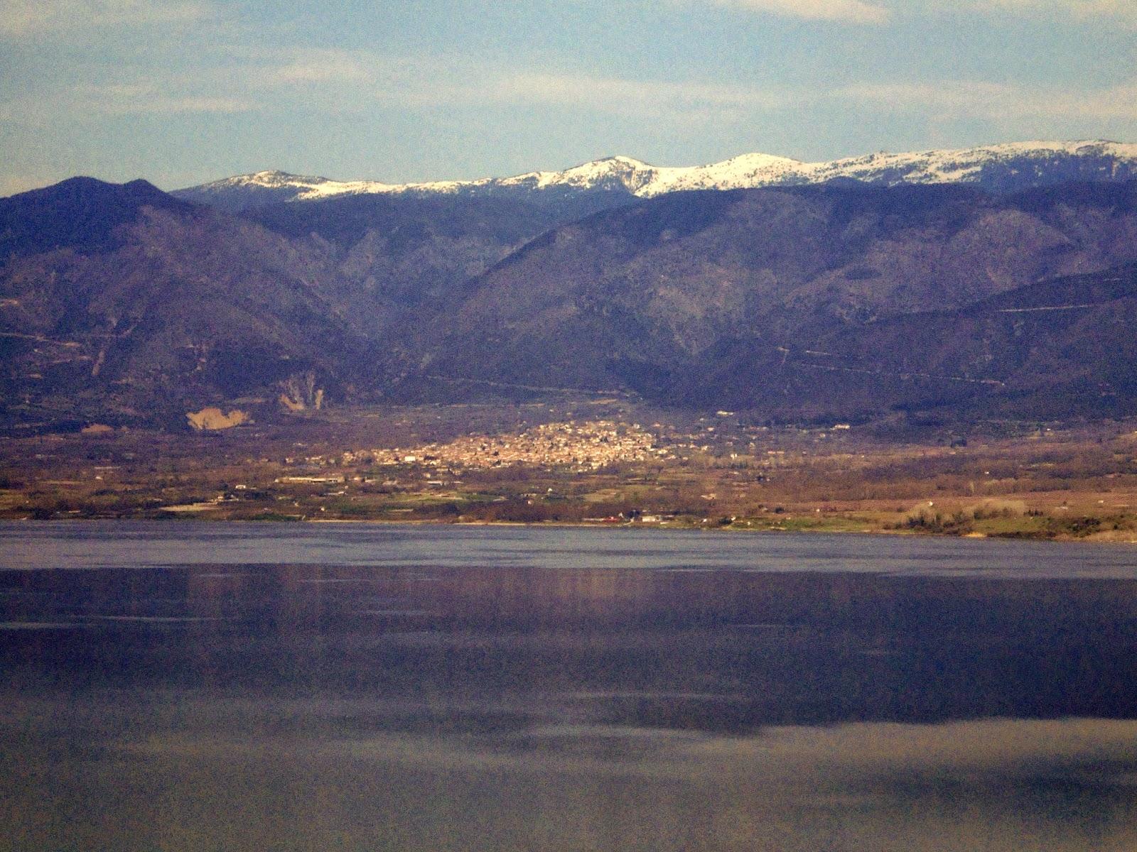 τεχνητή λίμνη Πολυφύτου στο νομό Κοζάνης