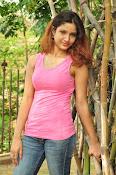 Aarthi glamorous photo gallery-thumbnail-14