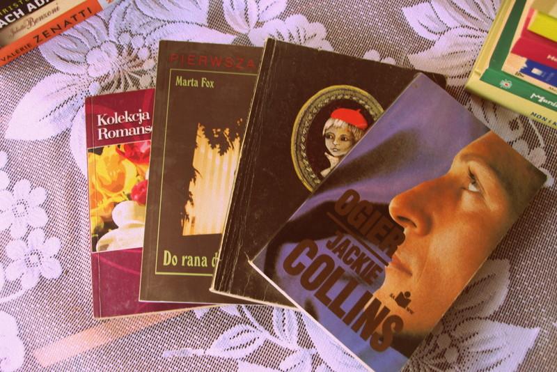 71b54764403e6 Jak pewnie zauważyliście, przekrój gatunkowy upolowanych przeze mnie  tytułów jest bardzo szeroki. Najbardziej jestem dumna ze zdobytych książek  Małgorzaty ...