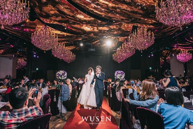 台北婚攝君品酒店天花板進場新郎新娘進場紅地毯