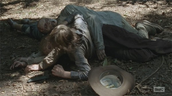 "Carl aplastado por zombis en ""The Walking Dead 4x09 - After"""