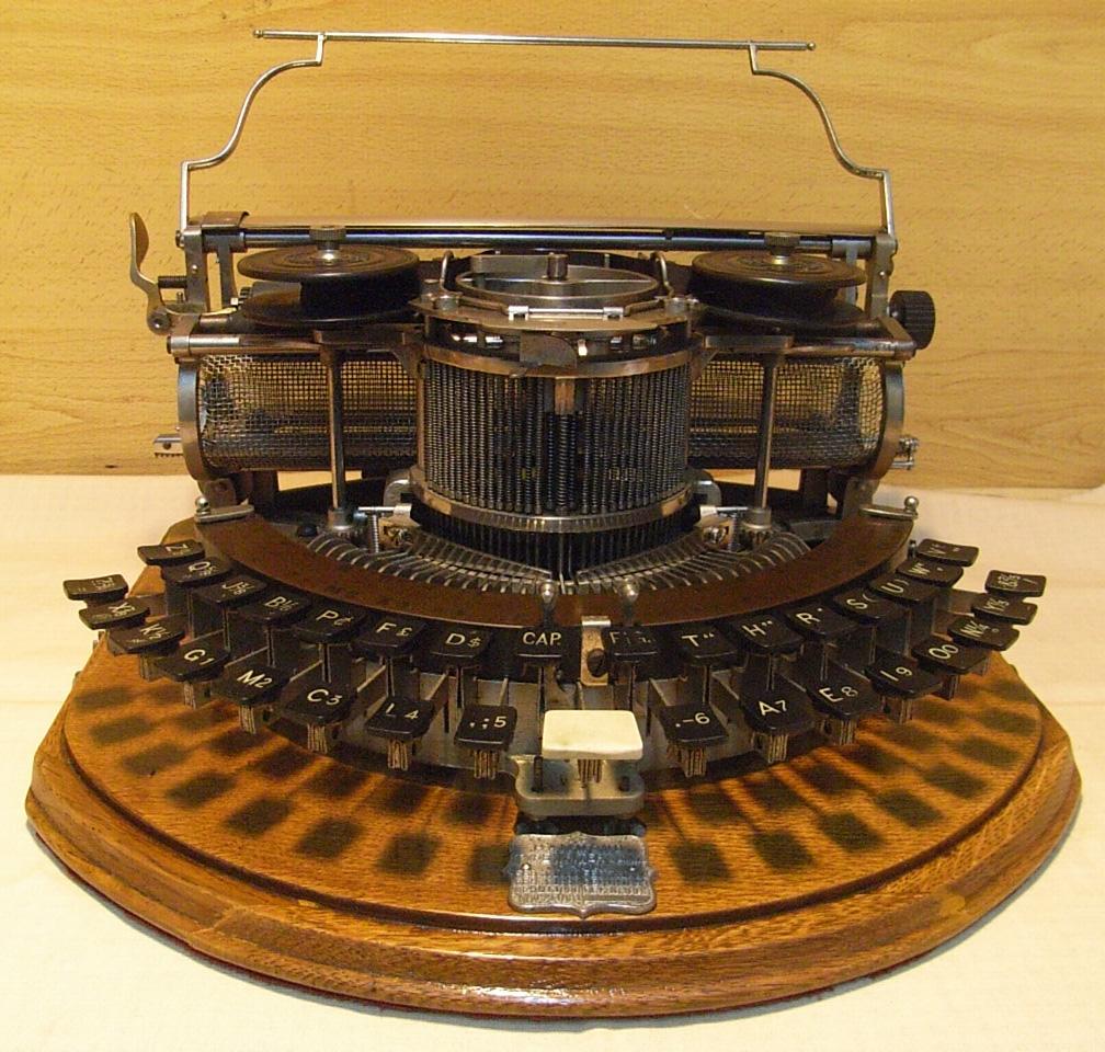 maquina-de-escribir-1868-la-escritura-y-sus-caminos-curiosidades-interesantes-escritura-literatura-blogs-blogger