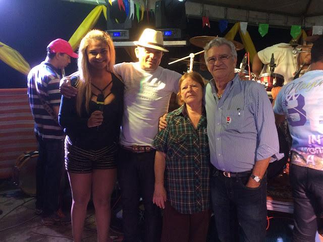 http://www.blogdofelipeandrade.com.br/2016/07/imagem-em-destaque-osvaldinho-prestigia.html