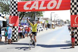 http://vnoticia.com.br/noticia/1881-veterano-leva-o-titulo-de-campeao-do-circuito-municipal-de-ciclismo-de-sfi