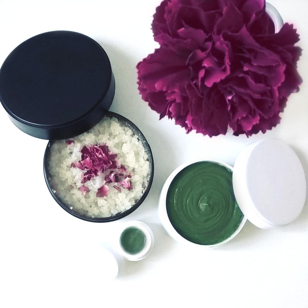 3 szybkie kosmetyki DIY peeling do ciała, krem do twarzy, antyperspirant