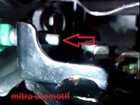 Cara mengatasi lampu rem mobil nyala terus