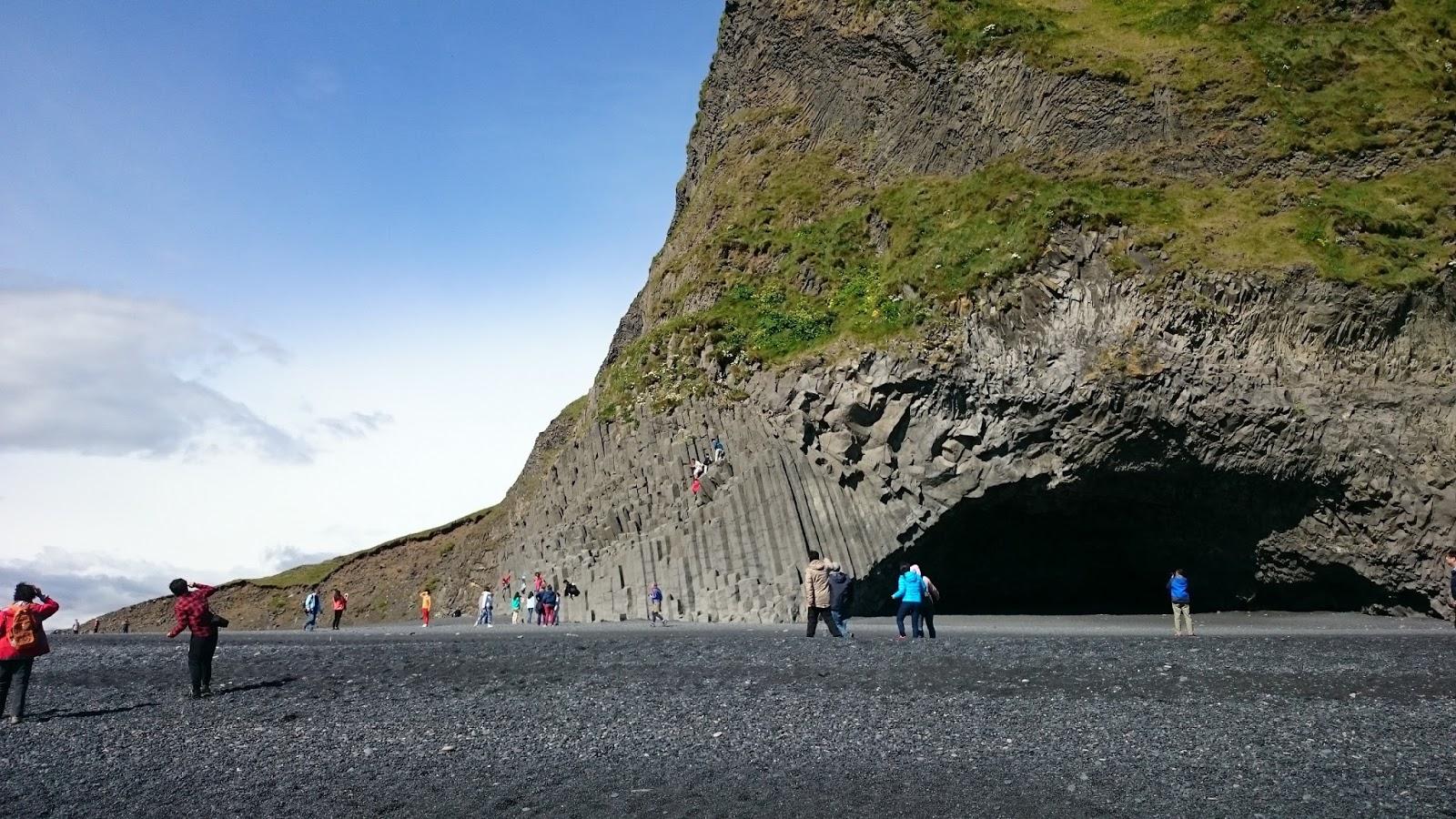 czarna plaża, Reynisfjara, islandzka plaża, Islandia, atrakcje Islandii