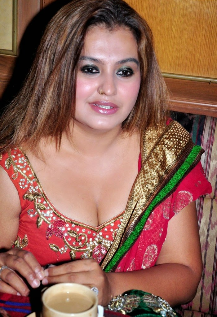 Actress nude aunty tamil