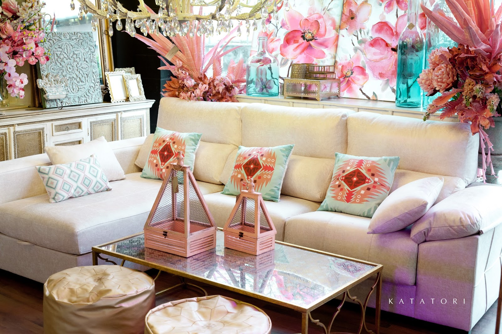 Katatori interiores dorado rosa y verde agua for Muebles poligono el manchon