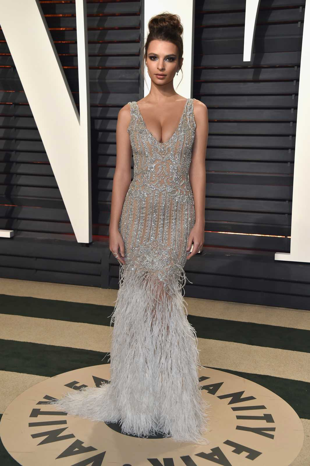 Emily Ratajkowski – 2017 Vanity Fair Oscar Party