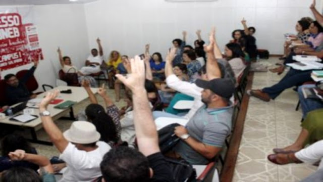 Professores da Uneb aprovam indicativo de greve e paralisação em novembro