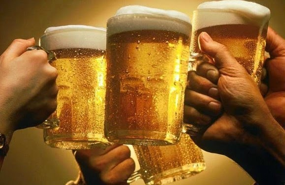 Những ai không được uống rượu bia ?
