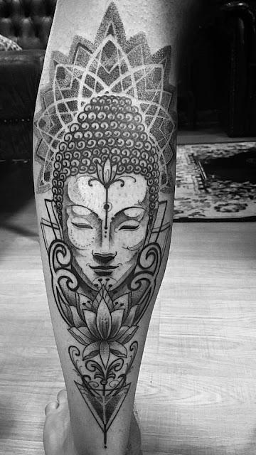 Tatuagem Mandala inspirada no Buddah.