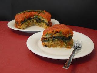 Receta de pastel de tortillas de verduras y champiñones.