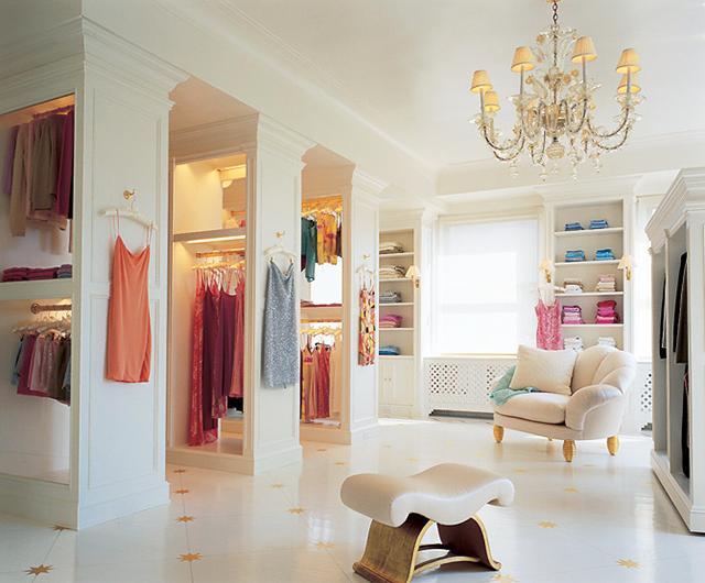 Mariah Carrey's all white closet on MTV cribs.