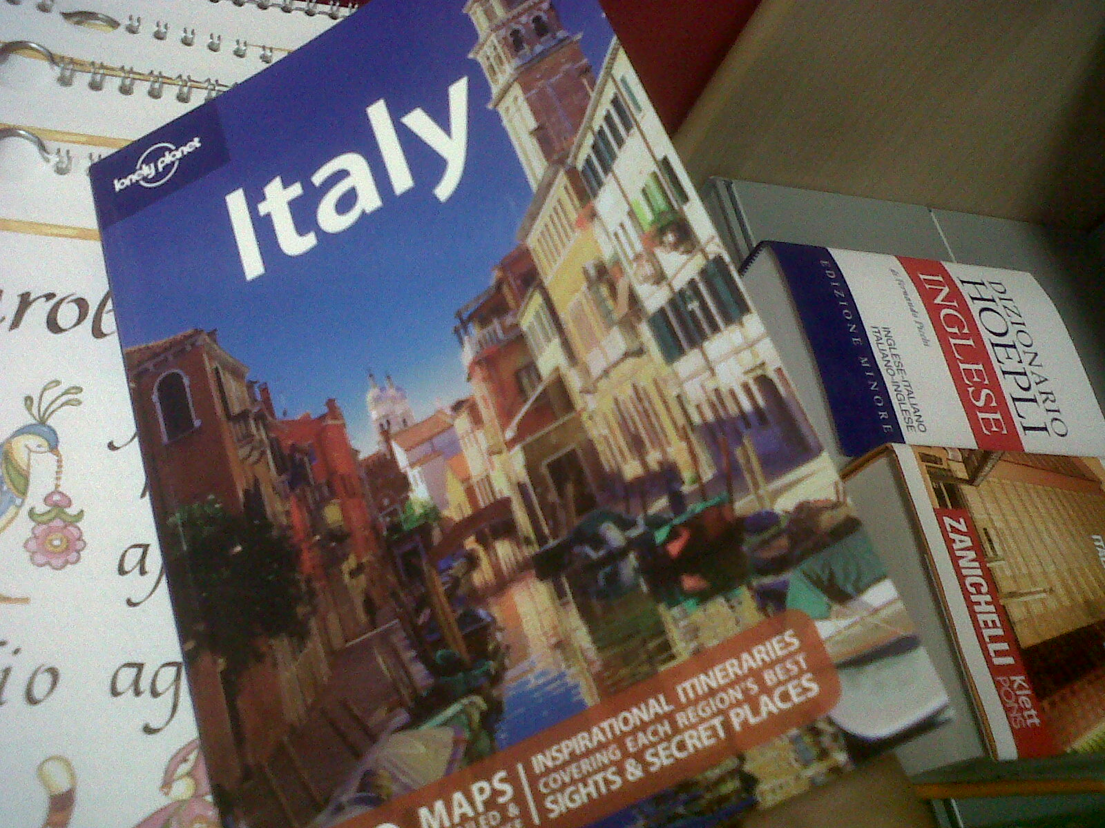 Travel Guides Lonely Planet Versus Rough Guide