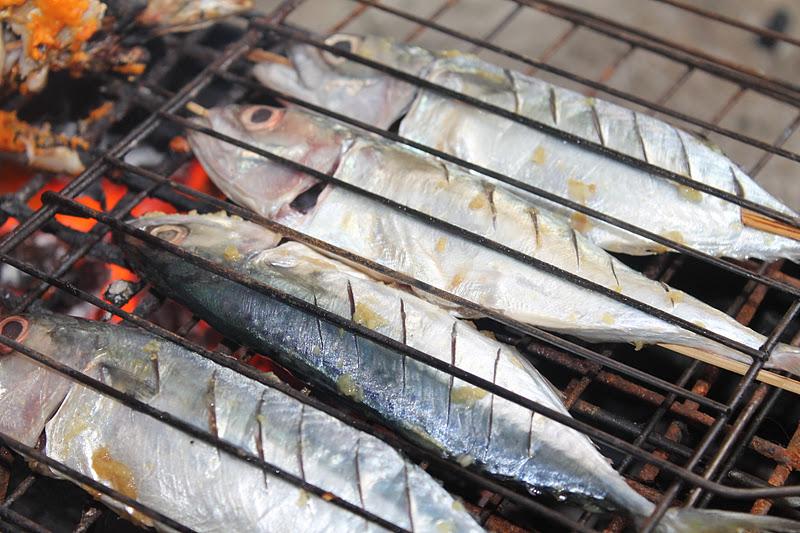 Ikan Kembung Percik Merah Kelantan Bakar Atas Dapur Arang