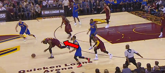 CRAZY Sequence From KD & Lebron On Christmas Day (VIDEO)