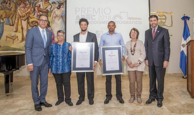Fotógrafos de Diario Libre ganan Premio Apec 2018