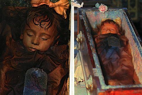 mayat rosalia lombardo yang awet dan masih utuh walaupun berusia ratusan tahun