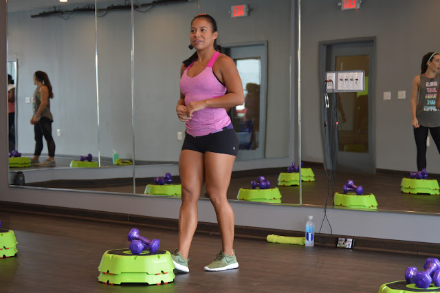 Ana Browne teaches a Luscious Legs and Arm Candy class in DC.