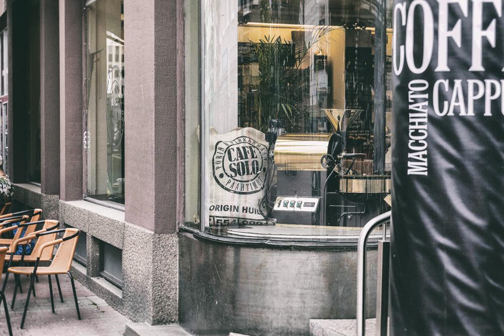 Pori, Porin Kaupunki, Kävelykatu, Kävis, Rakastuporiin, Visitpori, Visualaddict, valokuvaaja, Frida Steiner, Isokarhu, kauppakeskus, ostoskeskus, keskusta, kaupunki, Cafe Solo, Porin Paahtimo
