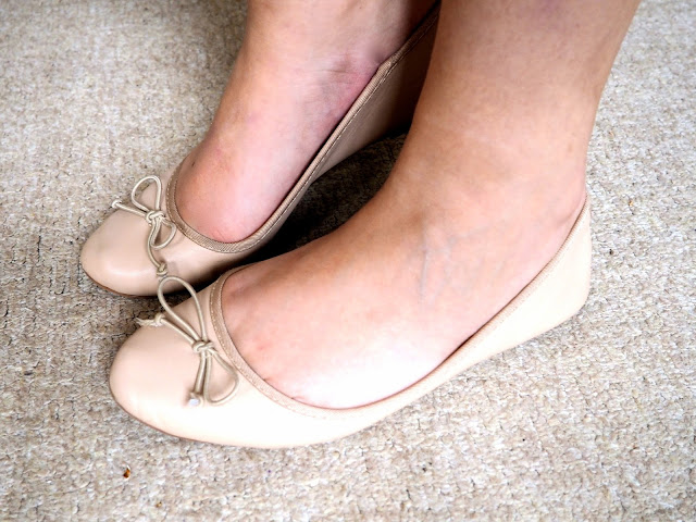 Tinkerbell Disneybound outfit shoe details of nude ballet flats