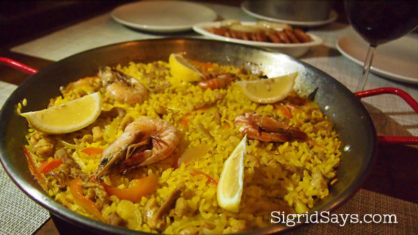 Bacolod restaurants - Marketplace paella and wine
