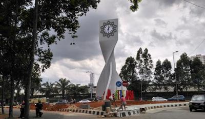 Keren Tangerang Punya Tugu Jam Gede Jasa