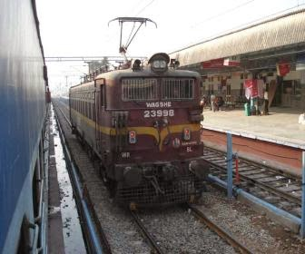 Trains from bhopal to nagpur